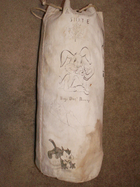 Navy Kit Bag with Artwork Pict0033