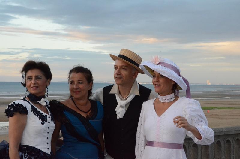 Notre weekend Belle époque a Cabourg ( photos) 4 et 5 aout 2012 - Page 2 Cabour23