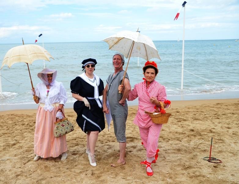 Notre weekend Belle époque a Cabourg ( photos) 4 et 5 aout 2012 - Page 2 Cabour26
