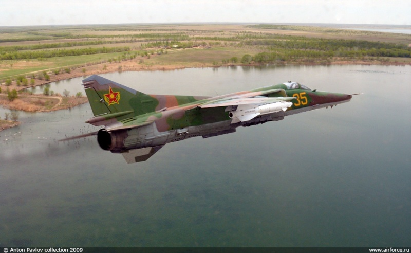 Soviet Armed Forces / Soviet Army (1946-1991) Ap_mig10