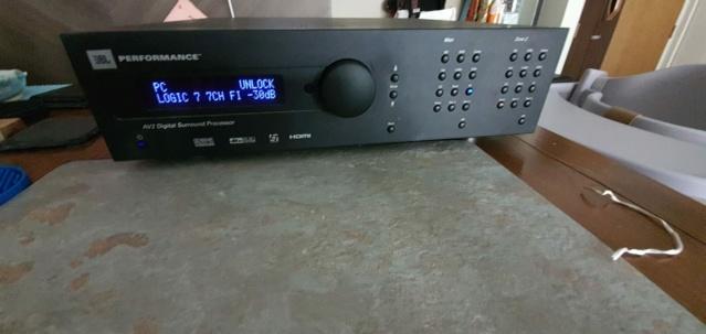 JBL AV2 Preamplifier / Digital Surround Processor 1c122011