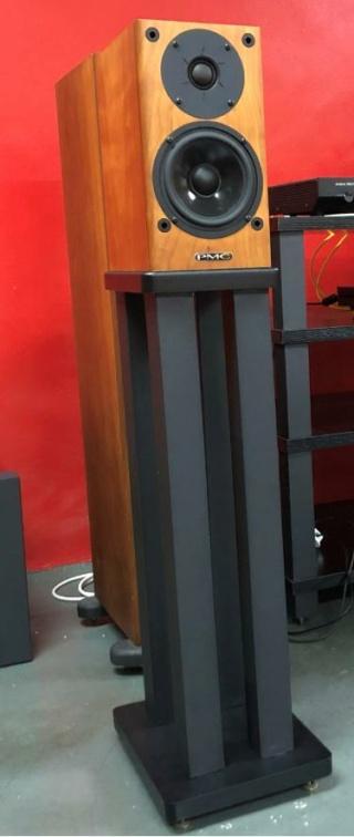 Speaker Stands - Four Pillar 70cm Height 610