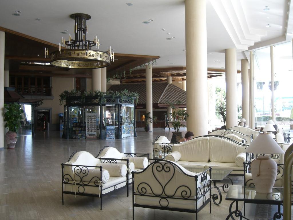 Canary Islands, Tenerife, Costa Adeje, Costa Adeje, Gran Hotel Cimg1313