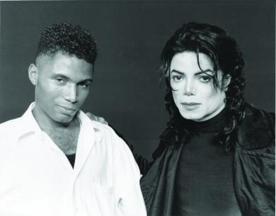 Short stories about  Lisa Marie and Michael Jackson Adrian10