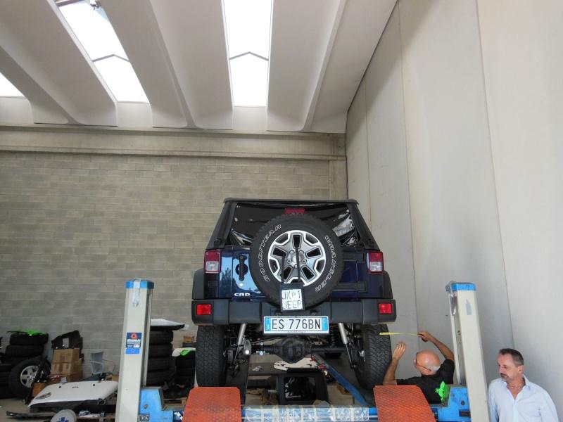 WranglerMania ShowCar 2013 in progress!  Dscn0024
