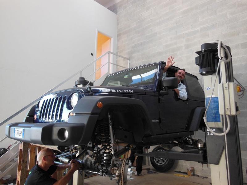 WranglerMania ShowCar 2013 in progress!  Dscn0025