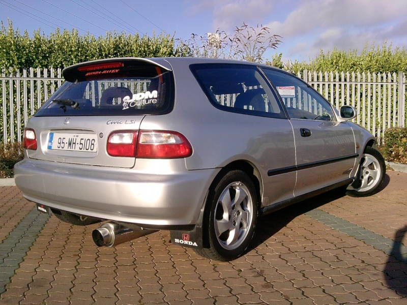 Post pics of your honda here  - Page 2 P0612010