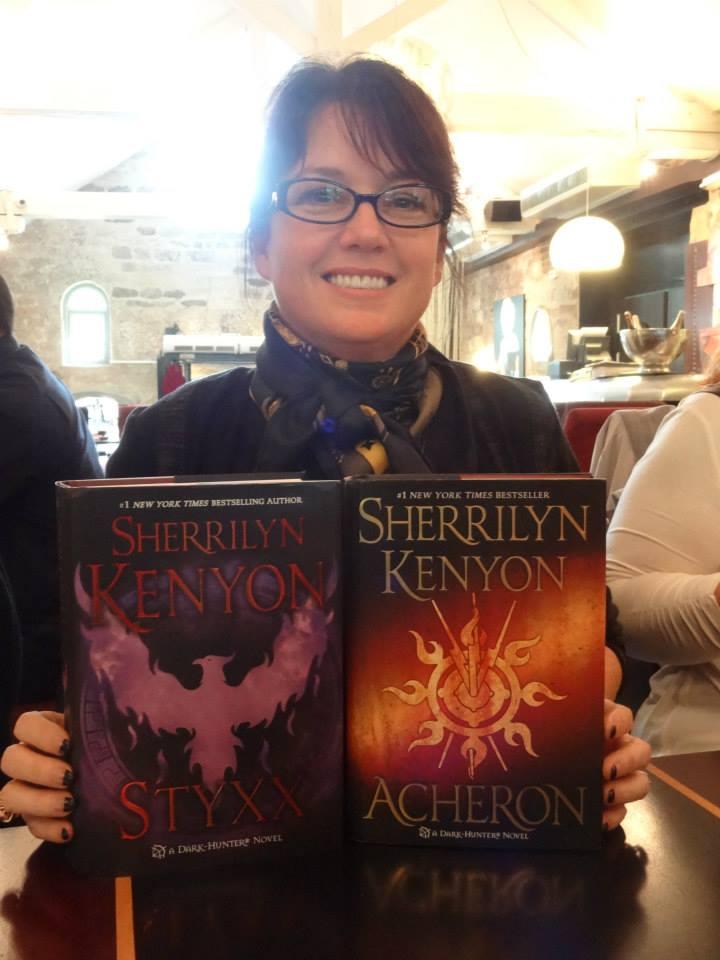 Rencontre magique avec SHERRILYN KENYON - Paris, septembre 2013 Dej_st10