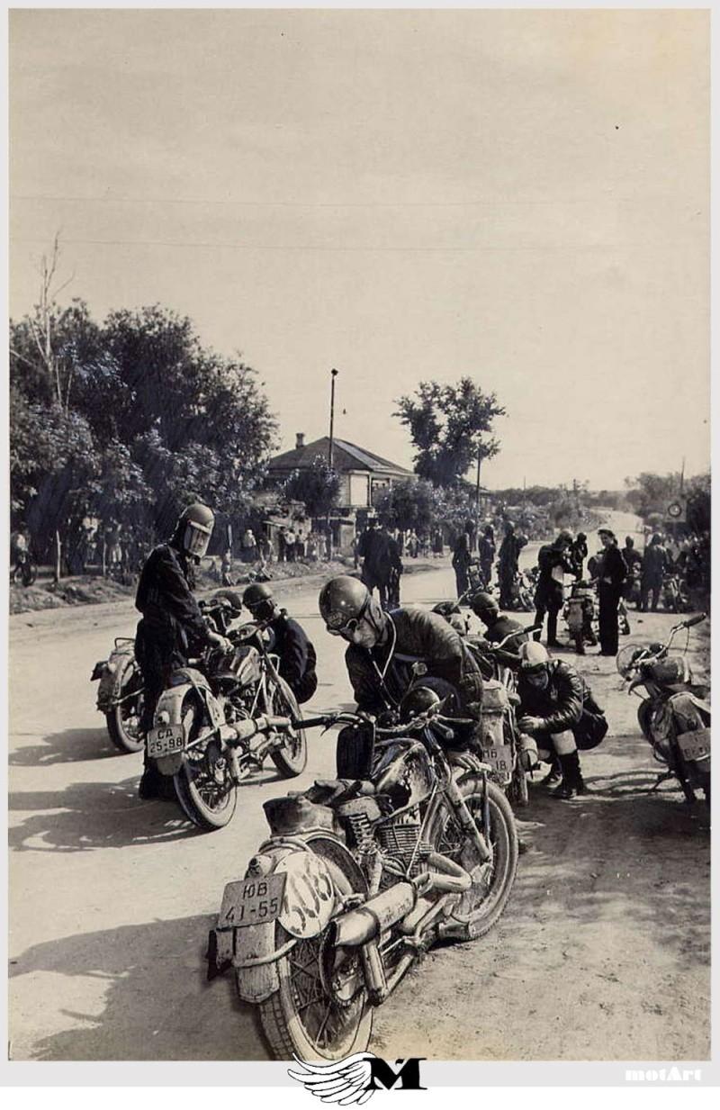 TRONCHE DE PISTARD...EN ACTION...DU MYTHIQUE...DU LEGENDAIRE - Page 3 Motorc10