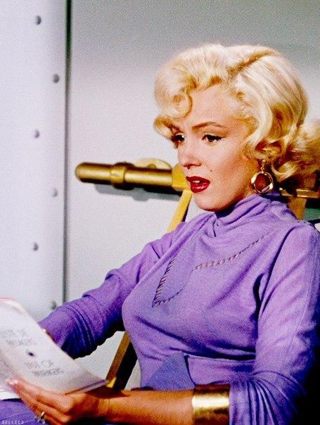 Marilyn Monroe - Page 6 5qhwcw10