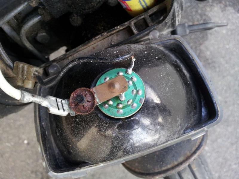 Réalisation d'un circuit d'alimentation LED pour cyclomoteur 20130910