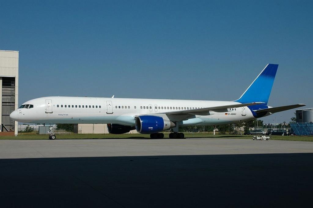 757 in FRA D-abnh10