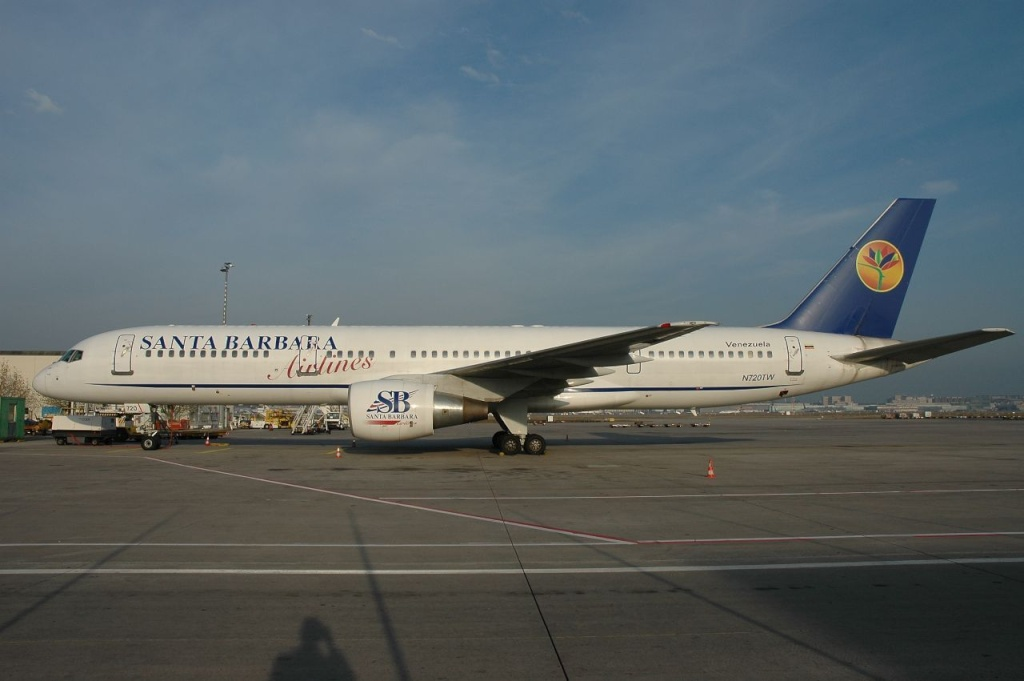 757 in FRA - Page 2 N720tw10