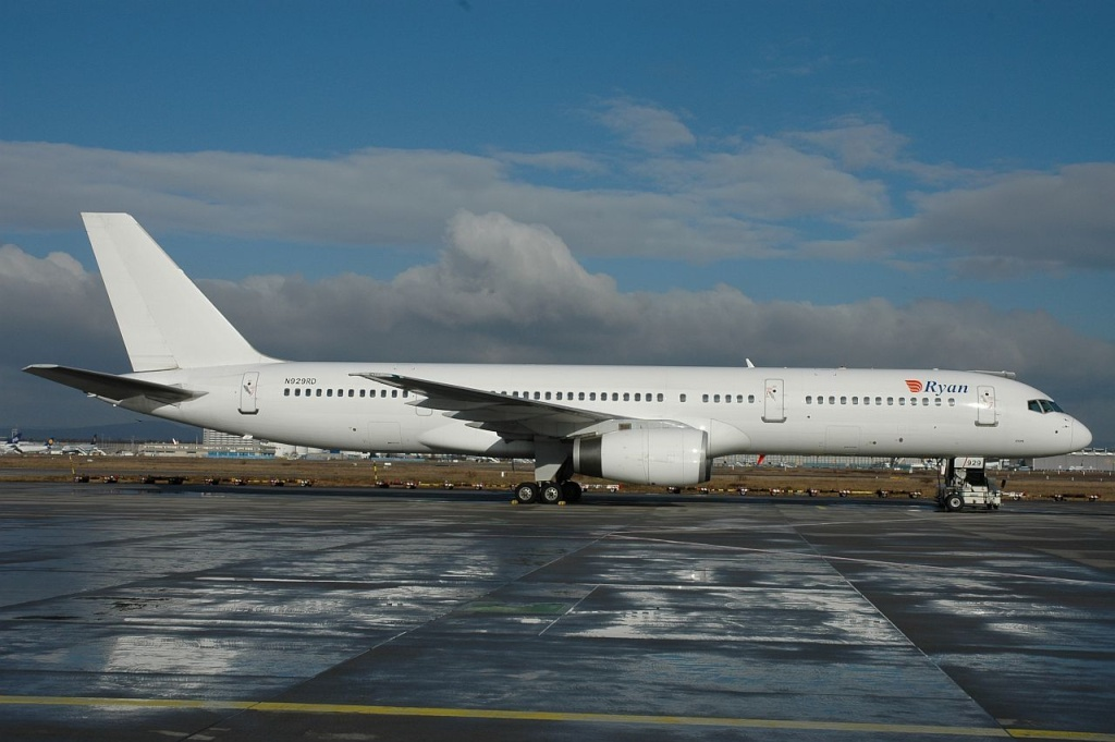 757 in FRA - Page 2 N929rd10