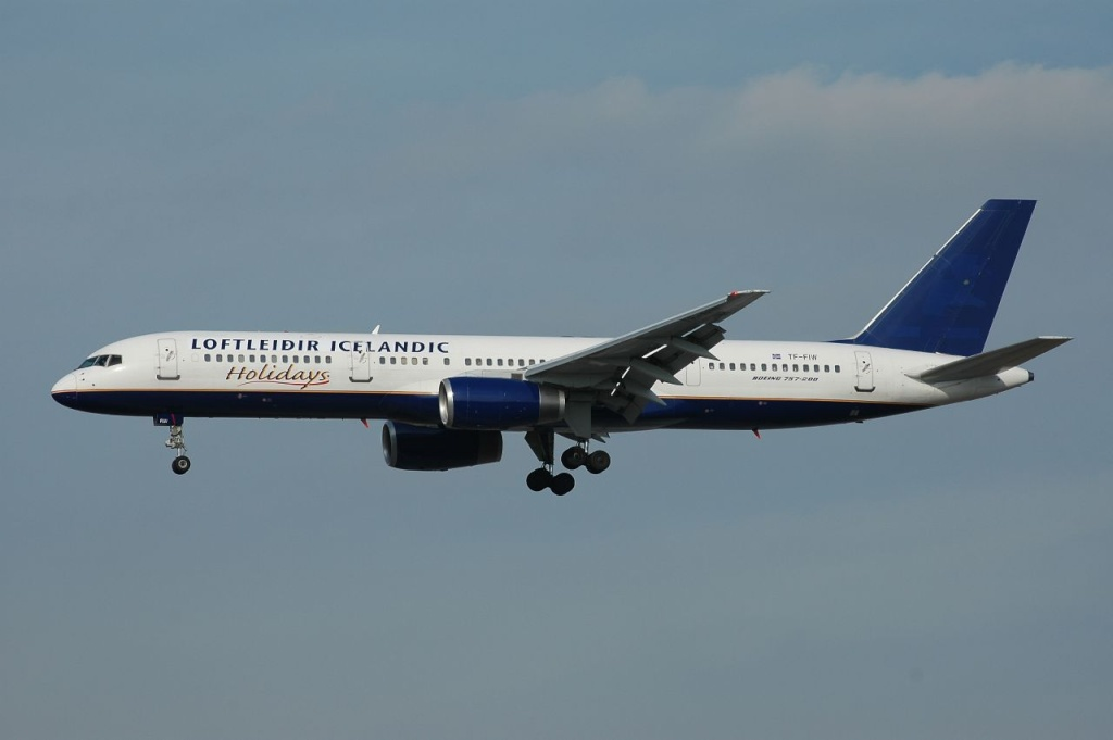 757 in FRA - Page 2 Tf-fiw10