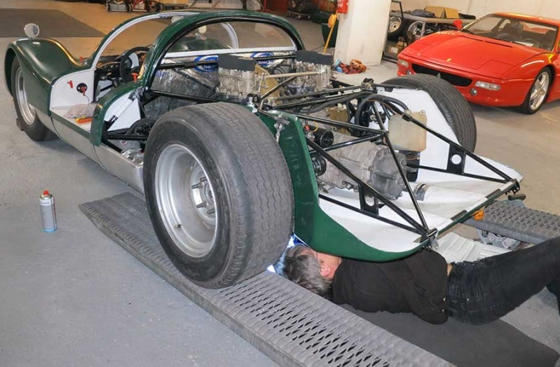 Une aventure mémorable, j'ai participé au Mans Classic 2012 en Porsche 906... - Page 4 Presqu11