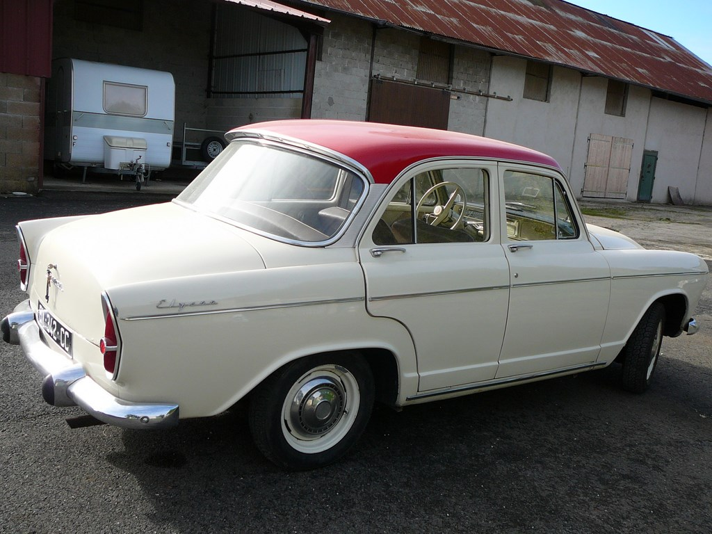 Simca P60 de 1961 P1070418