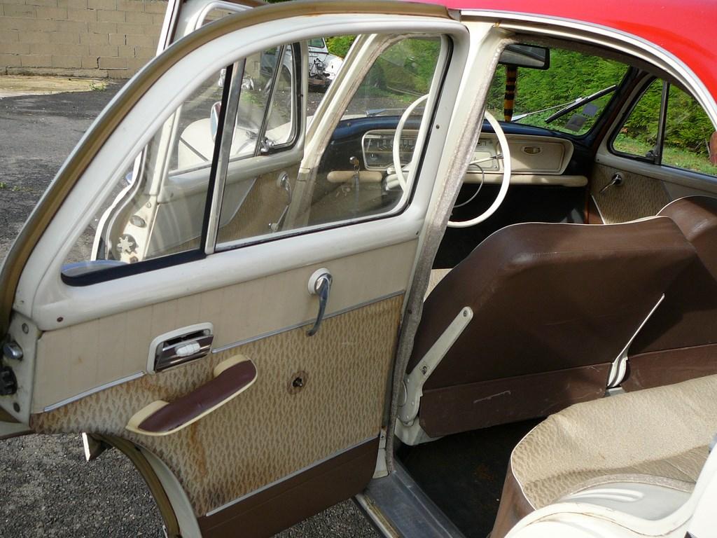 Simca P60 de 1961 P1070425