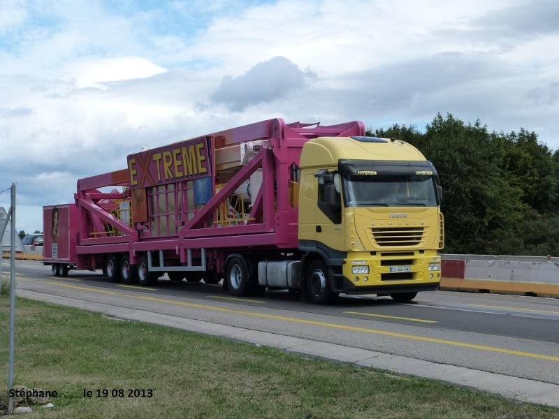 Les Camions des forains - Page 4 P1150016