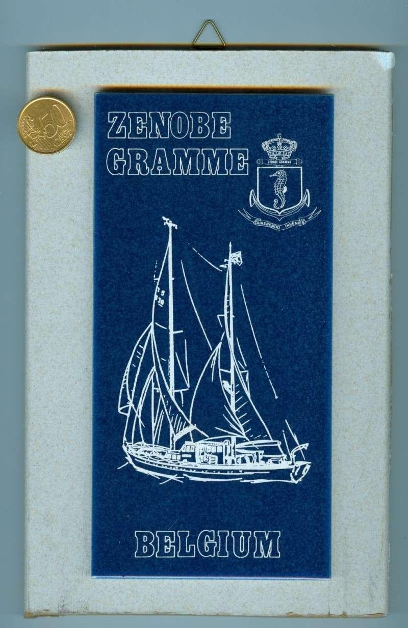 LES CRESTS ZM-FN EN PIERRE ROUGE ORIGINAL - Page 5 Zenobe11