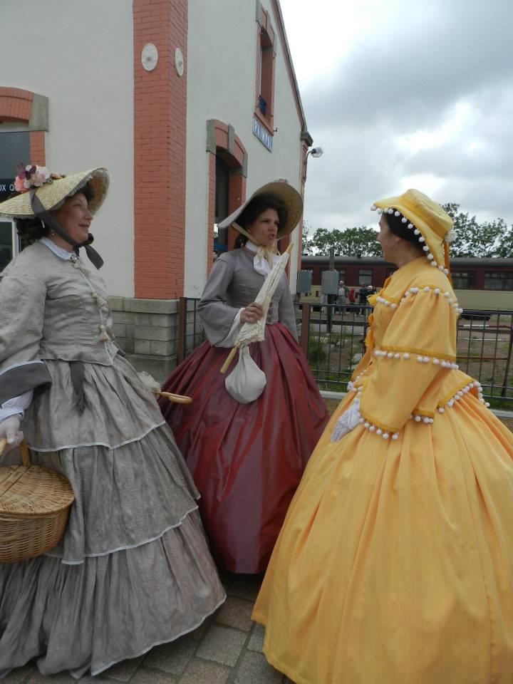 [Histo] Robe de sortie jaune 48551110