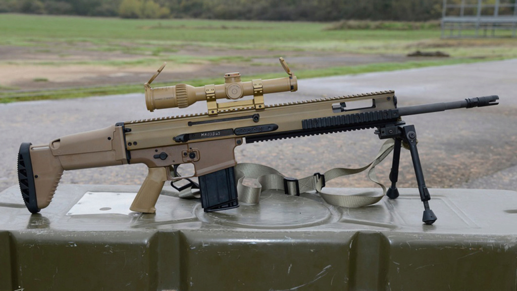 Quelqu'un a-t-il vu le nouveau fusil SCAR-HPR de près ??? Fn-sca10