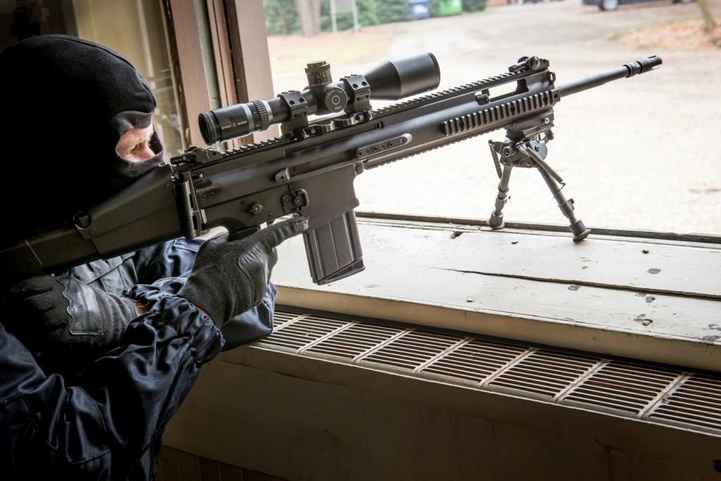 Quelqu'un a-t-il vu le nouveau fusil SCAR-HPR de près ??? Scar-h10