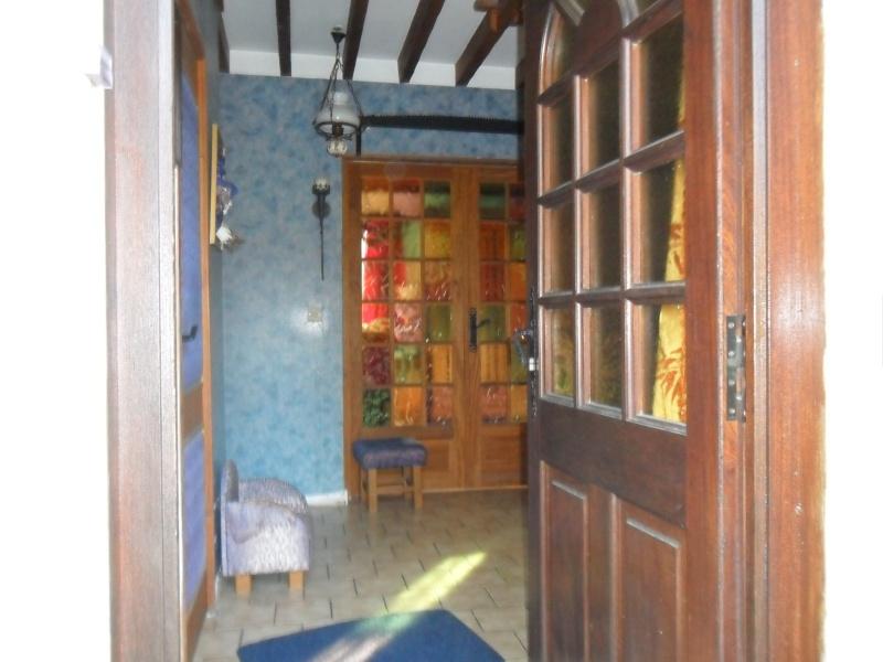 bonjour besoin d aide pour mon entrée et couloir et montée d escalier que j aimerais relooker Sam_1147