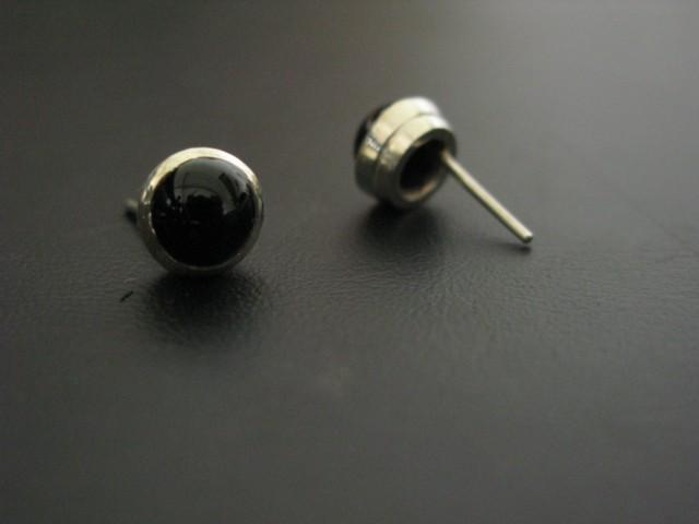 boucle d'oreille onyx serti clos  Boucle12