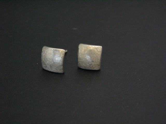 boucle d'oreille onyx serti clos  Boucle13