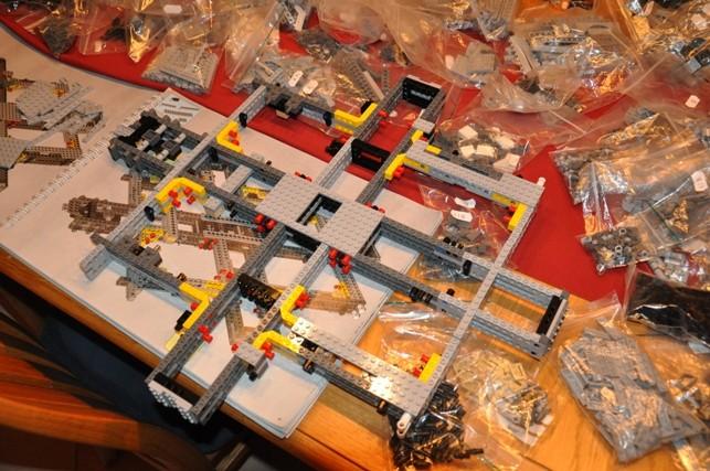Lego - 10179 - UCS Faucon Millenium  Dsc_0410
