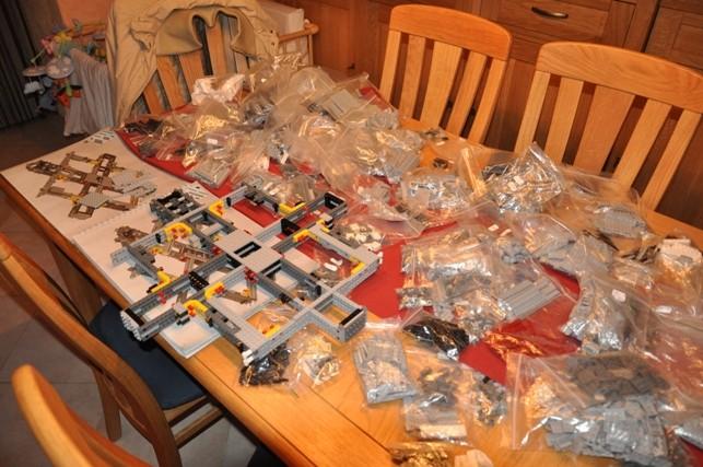 Lego - 10179 - UCS Faucon Millenium  Dsc_0411