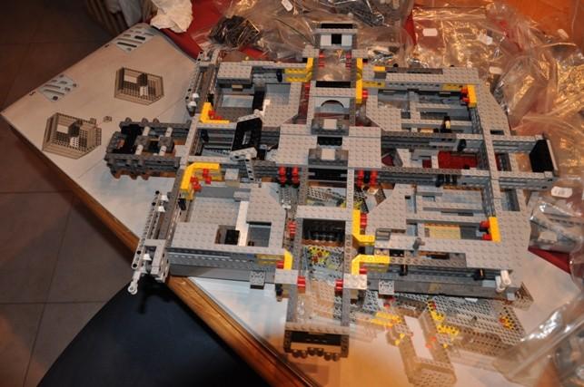 Lego - 10179 - UCS Faucon Millenium  Dsc_0412