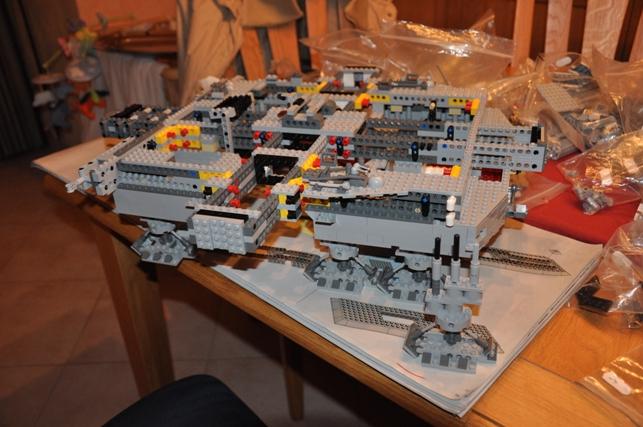 Lego - 10179 - UCS Faucon Millenium  Dsc_0414