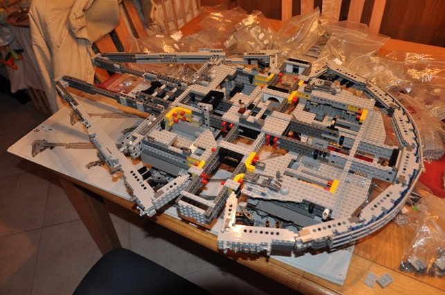 Lego - 10179 - UCS Faucon Millenium  Dsc_0417