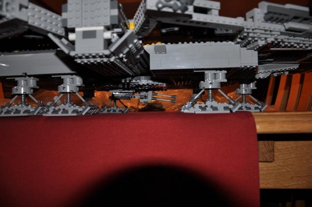 Lego - 10179 - UCS Faucon Millenium  Dsc_0421
