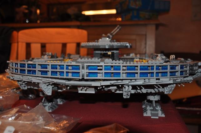 Lego - 10179 - UCS Faucon Millenium  Dsc_0424