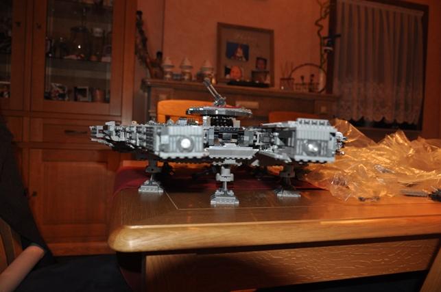 Lego - 10179 - UCS Faucon Millenium  Dsc_0427