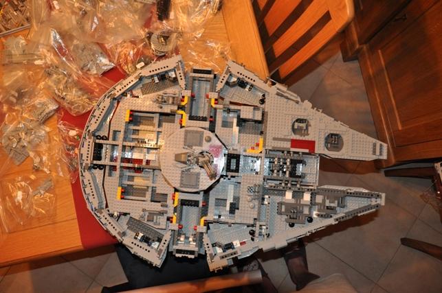 Lego - 10179 - UCS Faucon Millenium  Dsc_0432