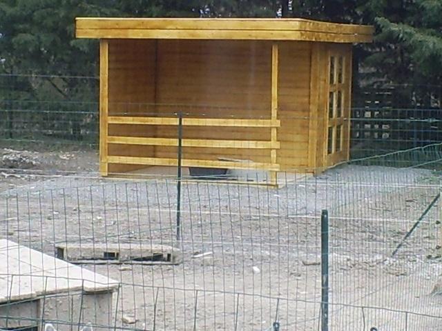 SOS Pour remettre en état 2 parcs pour les chiens  S5031427