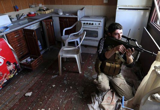 pour - Paris et Londres veulent livrer des armes aux rebelles syriens 18475310