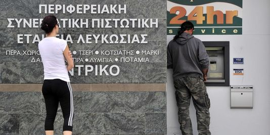 pour - Chypre : report du débat parlementaire sur le plan d'aide 18494910