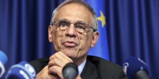 pour - Chypre : report du débat parlementaire sur le plan d'aide 18495110