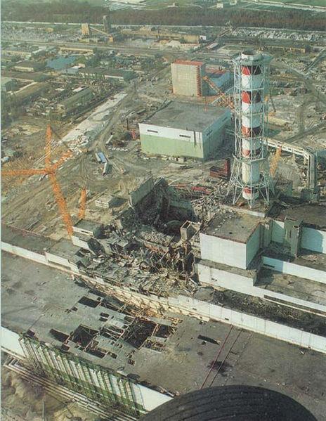Tchernobyl : un toit de la centrale s'écroule, le personnel évacué Cherno10