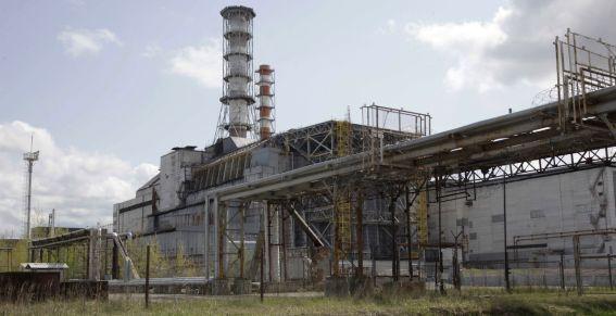 Tchernobyl : un toit de la centrale s'écroule, le personnel évacué Tchern10