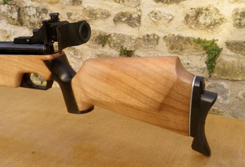 comment ratraper une trace de coup sur une crosse en bois  Imgp3510