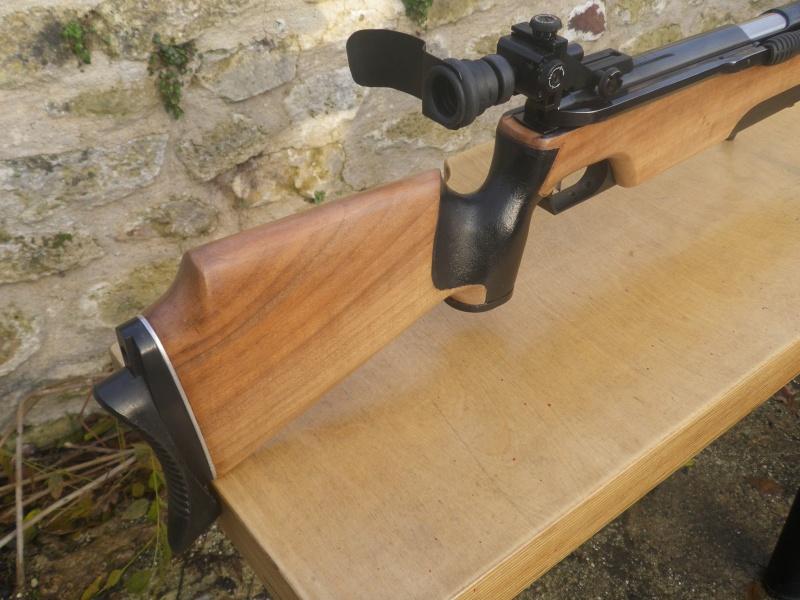 comment ratraper une trace de coup sur une crosse en bois  Imgp3511