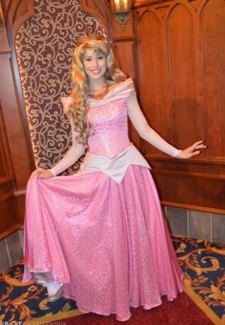 Nouvelles robes pour les princesses? - Page 6 Aur10