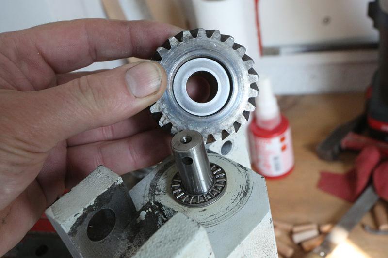 amélioration R D - Motorisation table raboteuse (voir p.13) et amélioration R/D Holztech FS320 (première partie)  28_mar17