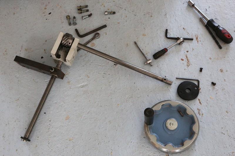 amélioration R D - Motorisation table raboteuse (voir p.13) et amélioration R/D Holztech FS320 (première partie)  28_mar18